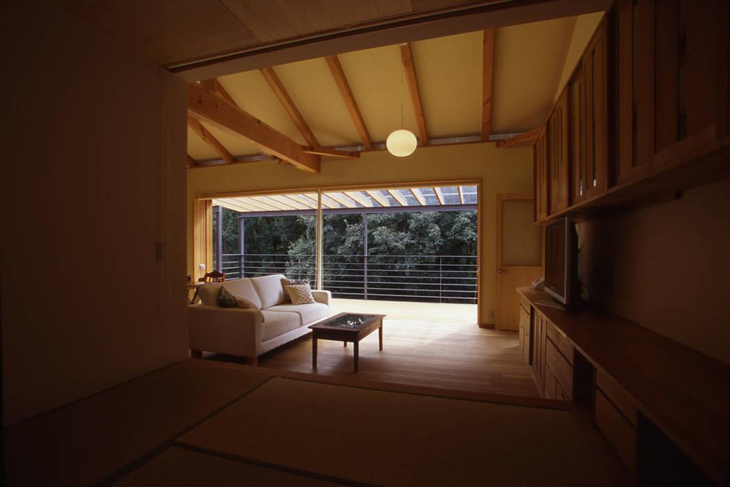 風建築工房 Modern style balcony, porch & terrace