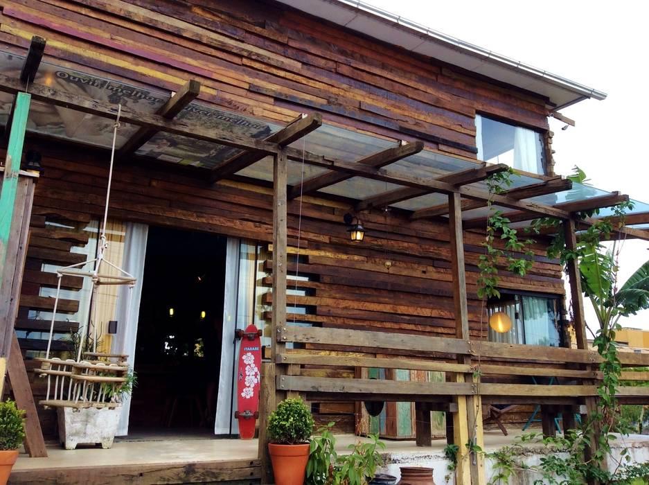 Casas de estilo rústico de Ferraro Habitat Rústico