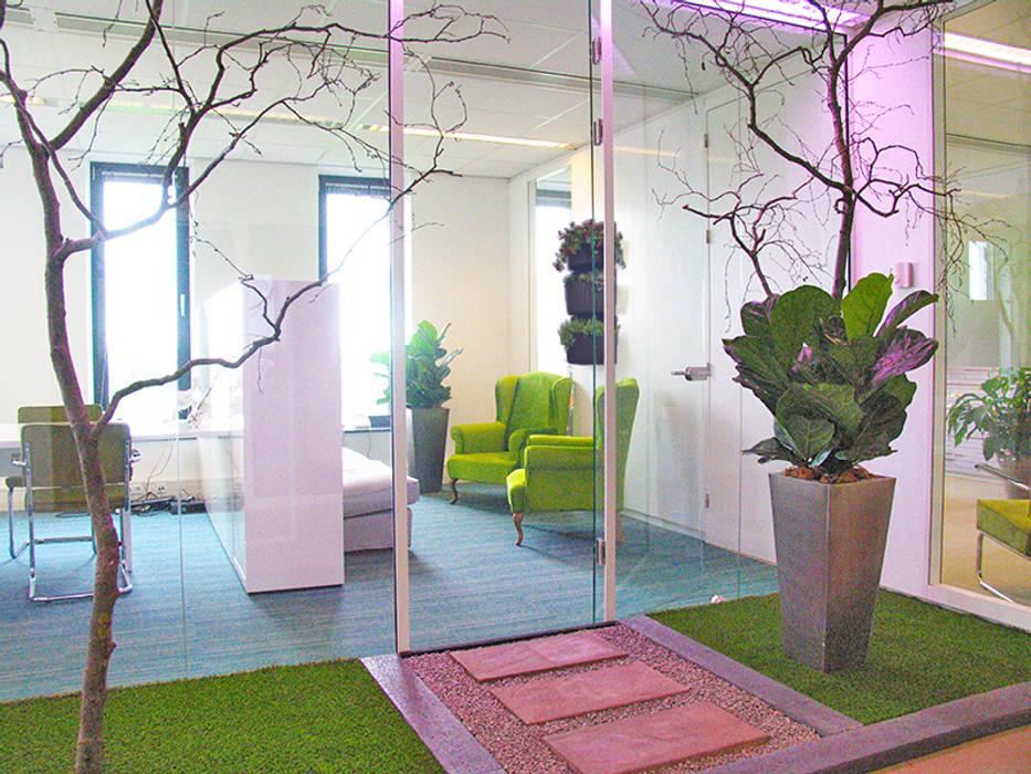 Lush and comfy: modern  door Aileen Martinia interior design - Amsterdam, Modern