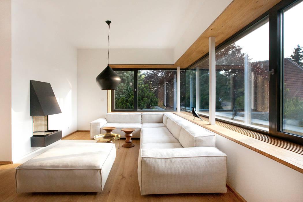 Loft im Grün - Umbau in Perchtoldsdorf Minimalistische Wohnzimmer von Franz&Sue Minimalistisch