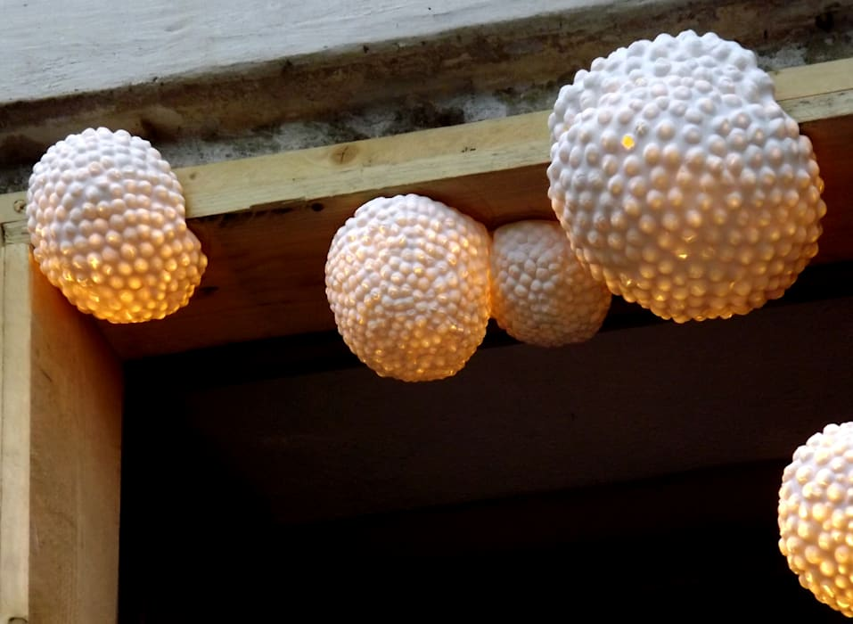 """Installation lumineuse """"Mousses: Lieux d'événements de style  par Juli About"""