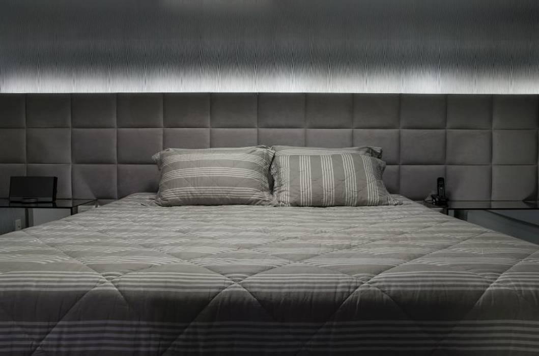 dormitório do casal Quartos minimalistas por arquiteta aclaene de mello Minimalista