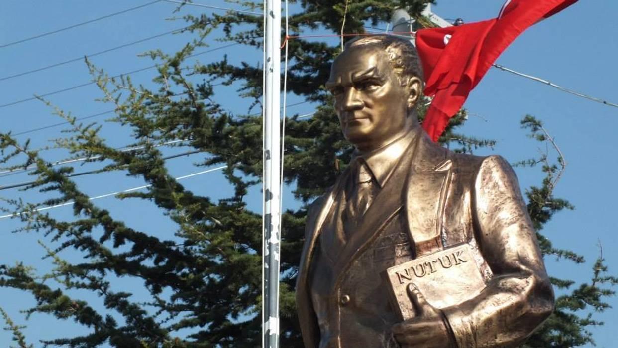 Kentform Tasarım Sanat Atölyesi – Atatürk Heykeli Nutuklu Model:  tarz Sergi Alanları