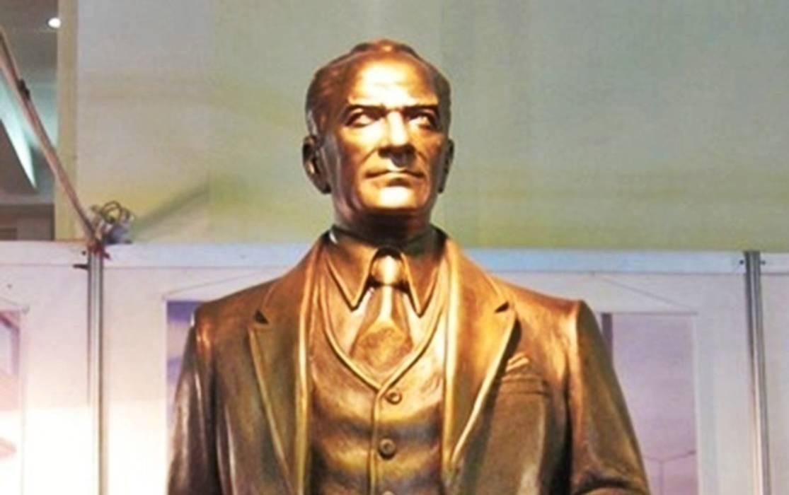 Kentform Tasarım Sanat Atölyesi – Atatürk Heykeli Sivil Model:  tarz Sergi Alanları, Modern