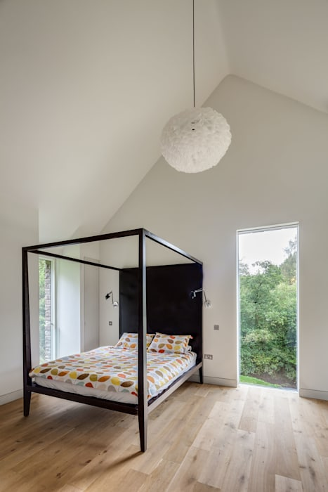 The Nook Modern Bedroom by Hall + Bednarczyk Architects Modern