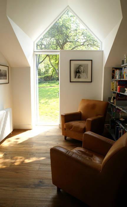 Veddw Farm, Monmouthshire Bureau rural par Hall + Bednarczyk Architects Rural