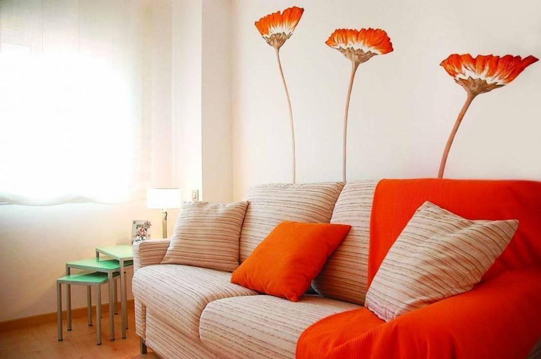 Flores naranjas Livings modernos: Ideas, imágenes y decoración de Murales Divinos Moderno