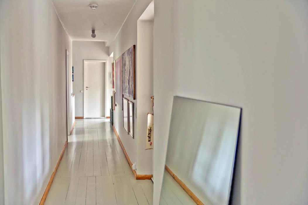 Flurbereich Klassischer Flur, Diele & Treppenhaus von Lena Klanten Architektin Klassisch
