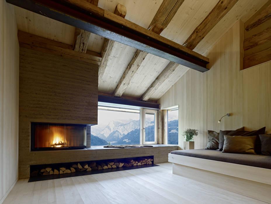 by HAMMERER ztgmbh . architekten Country