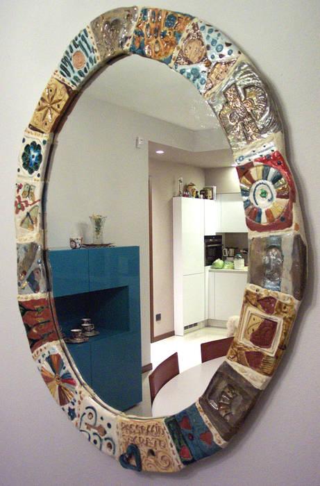 Specchio cm. 80x100: Cucina in stile in stile Eclettico di Forgiatore di Elementi di Giuseppe Sautto