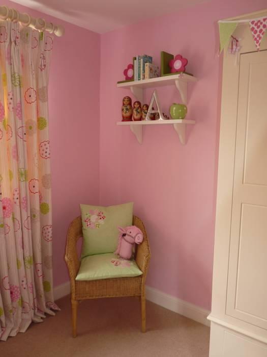 Little Girl's Bedroom Modern nursery/kids room by Natalie Davies Interior Design Modern