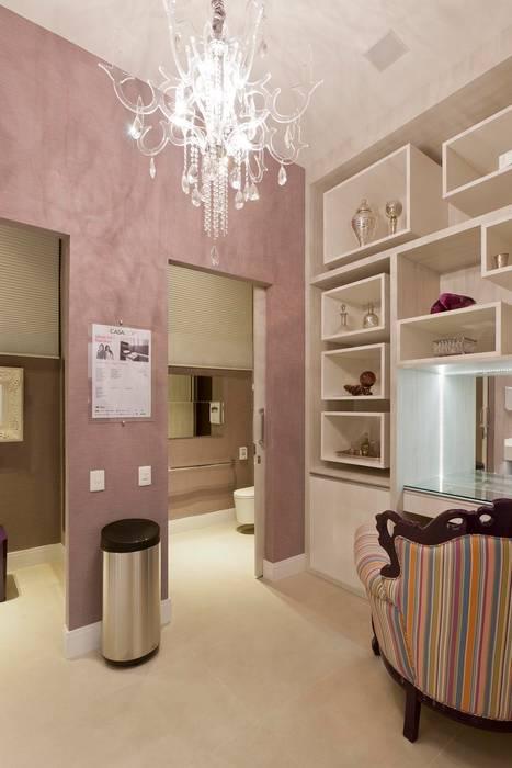 Banheiro Público Casa Cor São Paulo: Banheiros  por  Adriana Fiali e Rose Corsini - FICODesign