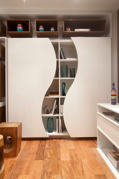 Home Office: Escritórios  por  Adriana Fiali e Rose Corsini - FICODesign ,