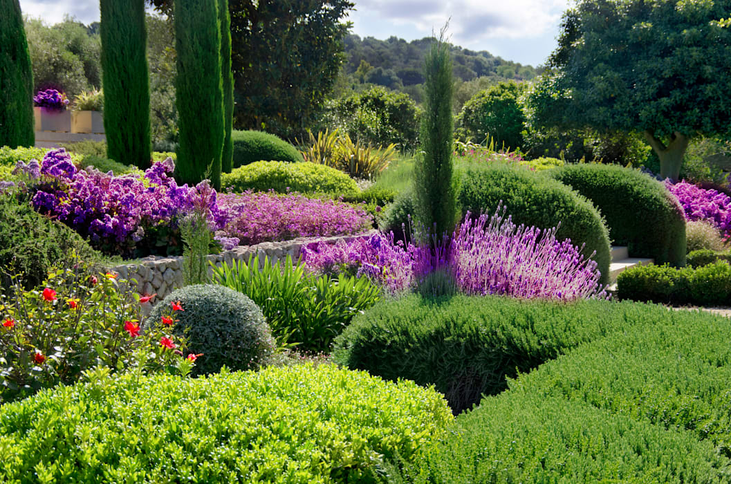 Jardines de estilo mediterráneo de Viveros Pou Nou Mediterráneo