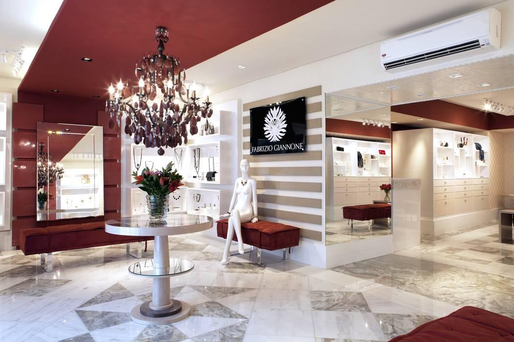 JOALHERIA DESIGN - CASA COR SP 2015 - BRASIL: Lojas e imóveis comerciais  por Adriana Scartaris: Design e Interiores em São Paulo