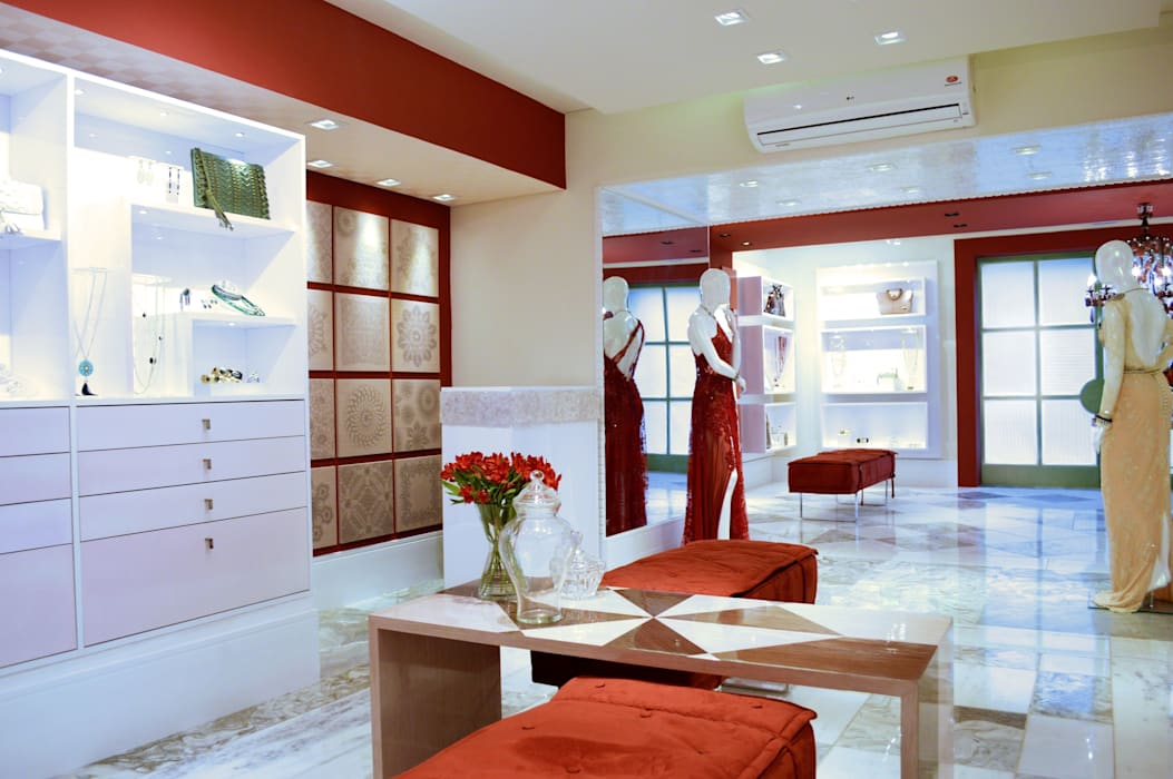 JOALHERIA DESIGN - CASA COR SP 2015 - BRASIL - Mesas em Marchetaria Lojas & Imóveis comerciais modernos por Adriana Scartaris: Design e Interiores em São Paulo Moderno