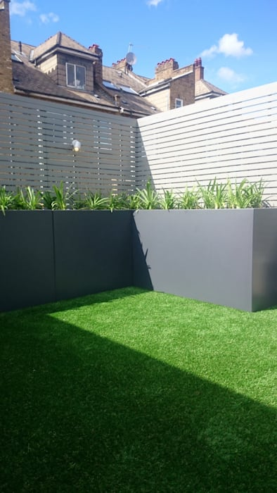 Roof terrace transformation: modern  by Paul Newman Landscapes, Modern