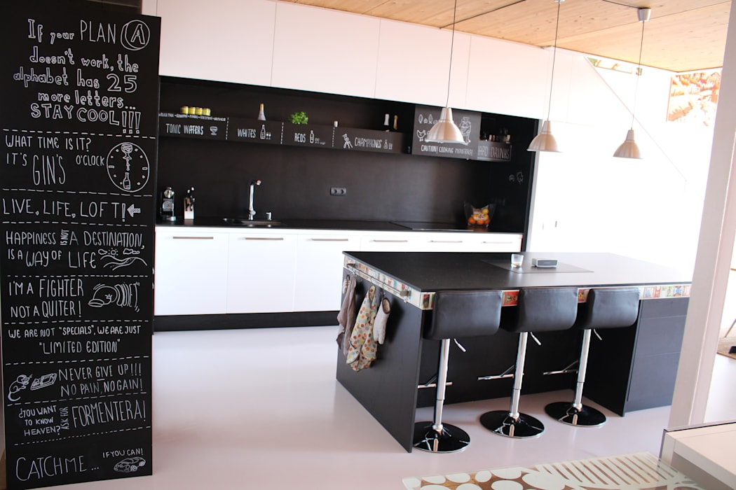 Industrial style kitchen by SMMARQUITECTURA Industrial