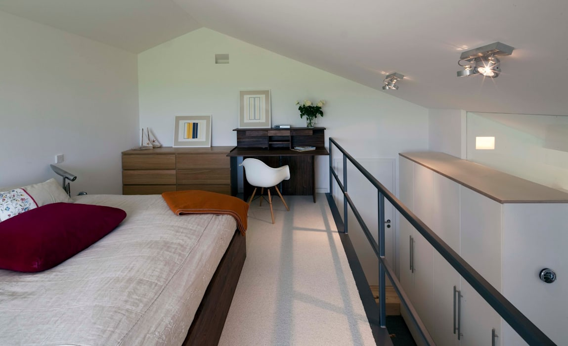 w. raum Architektur + Innenarchitektur Dormitorios de estilo moderno