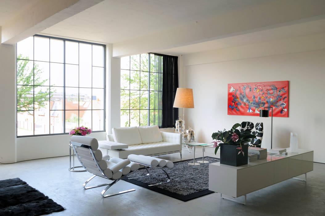 Industriele Loft Woonkamer : Leefgedeelte in tetem loft: industriële woonkamer door iaa