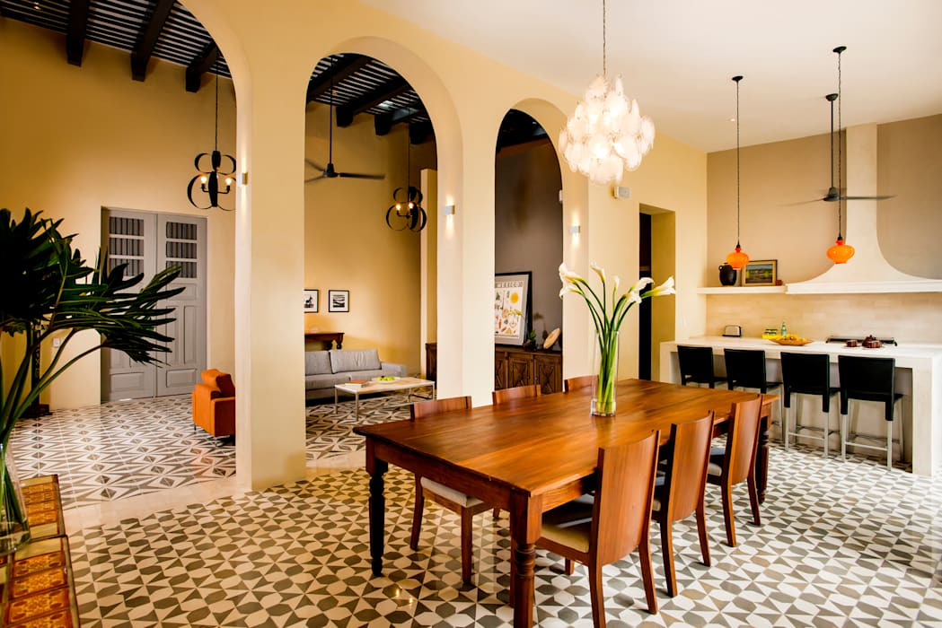 Colonial style dining room by Taller Estilo Arquitectura Colonial