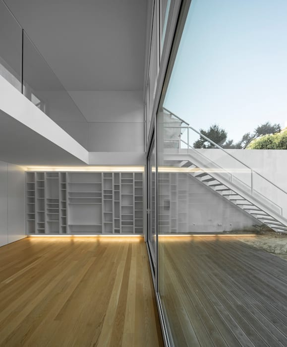 Living room by João Tiago Aguiar, arquitectos