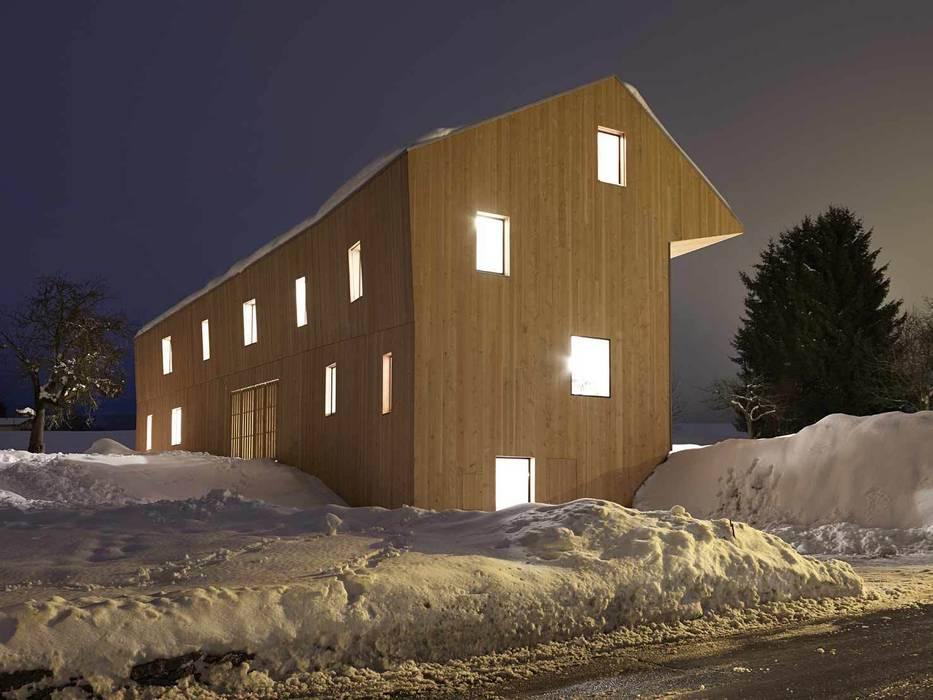 House in Maracon Landhäuser von LOCALARCHITECTURE Landhaus