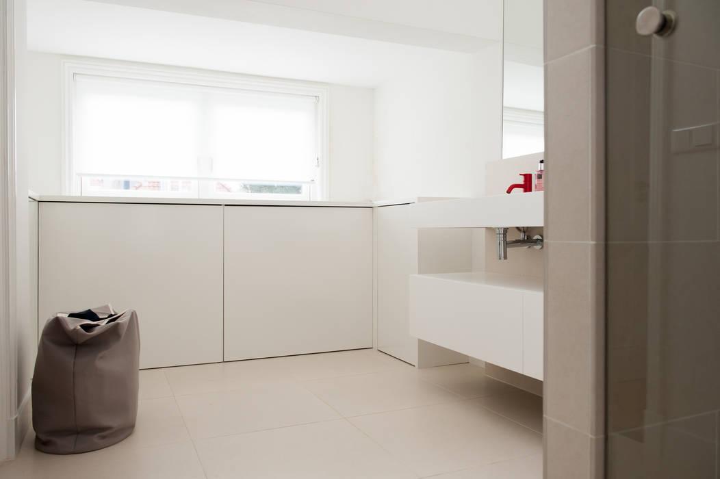 Badkamer Moderne badkamers van Studiohecht Modern