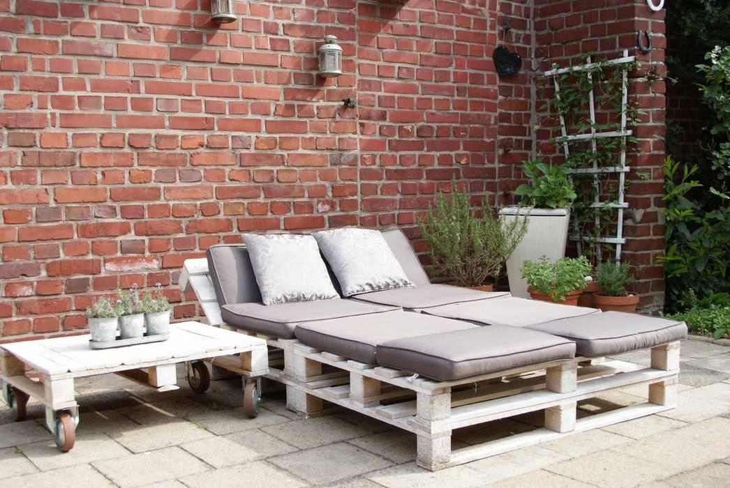 Upcycling/-redesign Gartenmöbel aus Paletten:  Garten von wohnausstatter