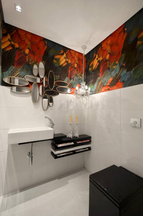 Casa da Praia Banheiros tropicais por Johnny Thomsen Arquitetura e Design Tropical