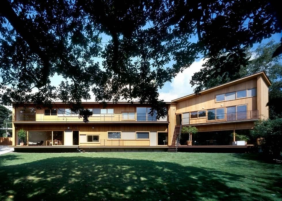 南(庭側)外観 モダンな 家 の 八木建築研究所 Yagi Architectural Design モダン