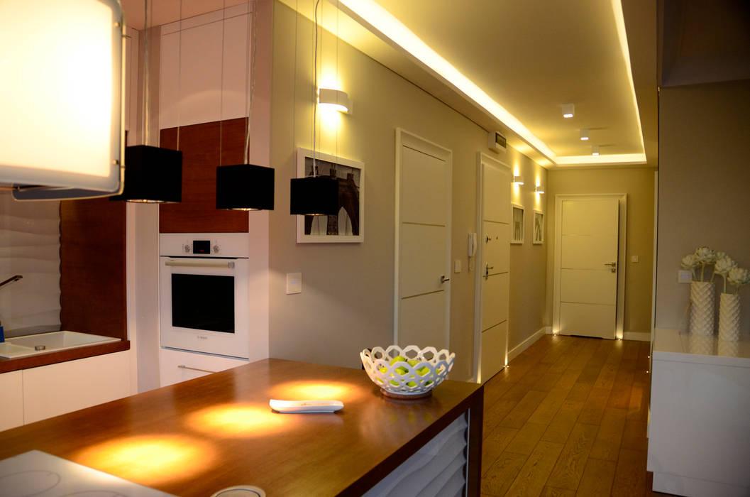 """Kuchnia """"waves"""".: styl , w kategorii Kuchnia zaprojektowany przez CAROLINE'S DESIGN"""