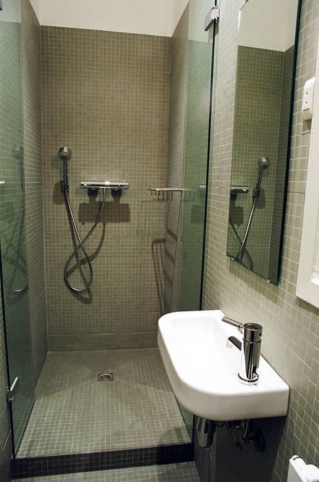 4+1 arquitectes Minimalist bathroom