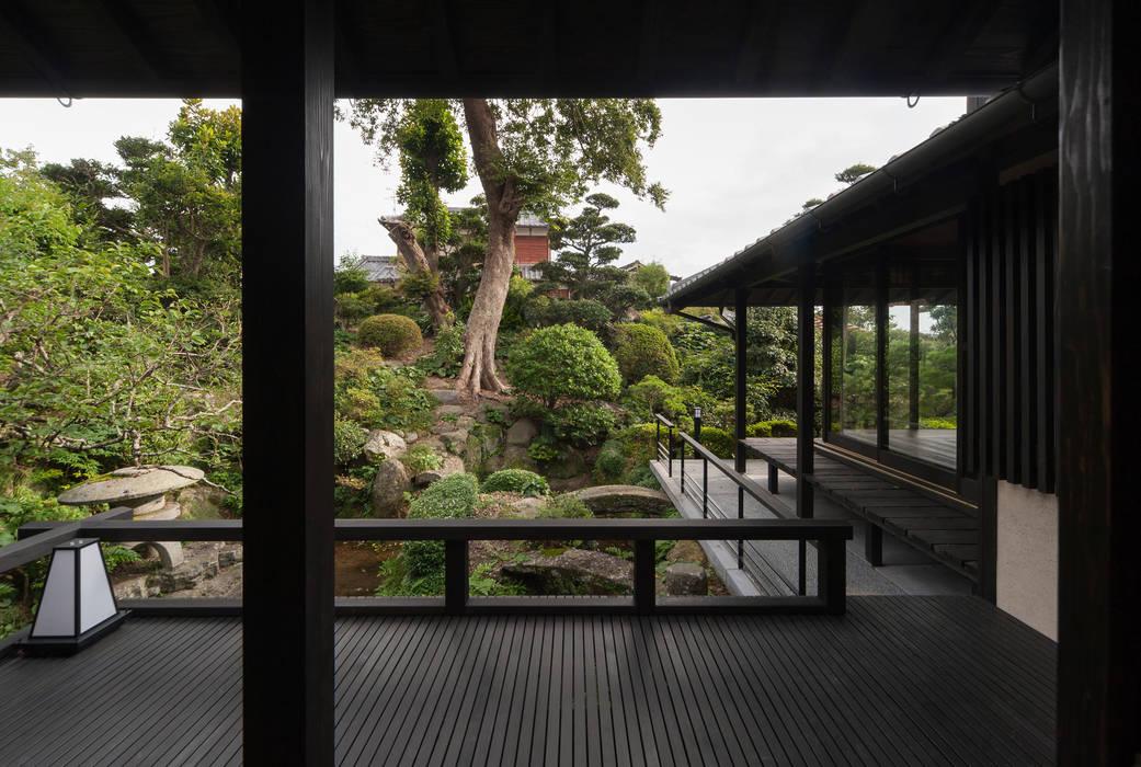 Asian style garden by 環アソシエイツ・高岸設計室 Asian