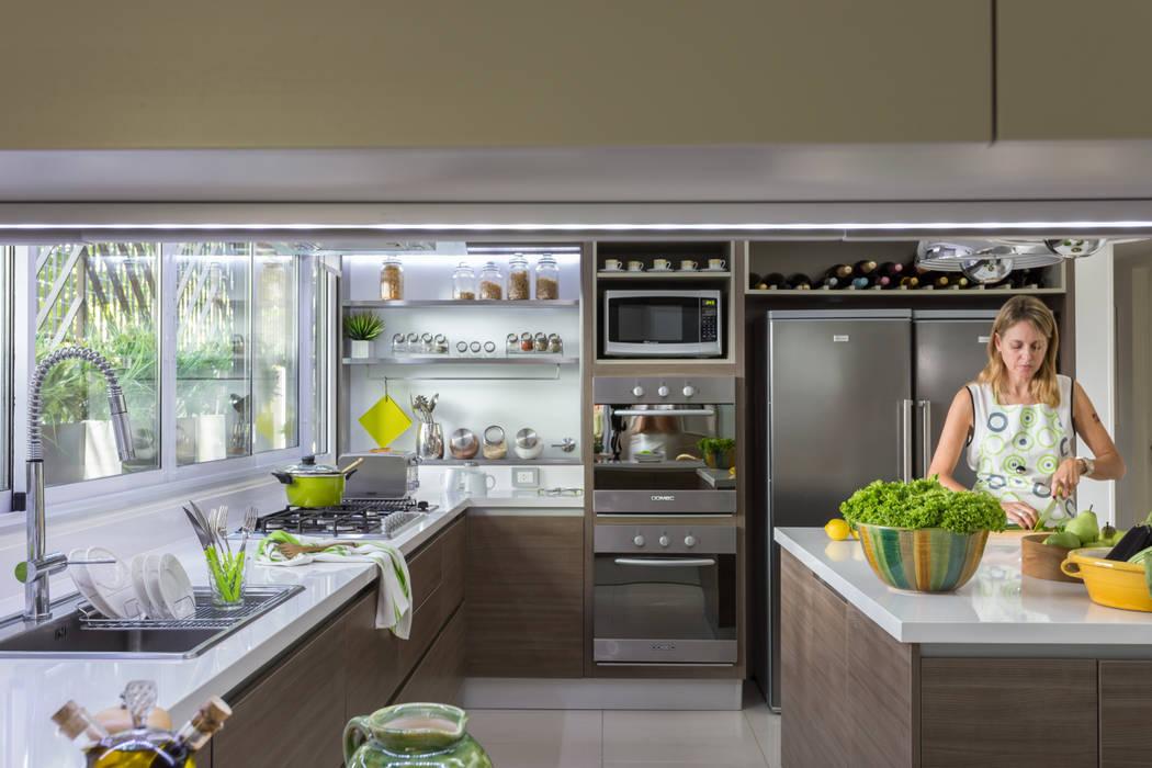 House in Belgrano Dapur Modern Oleh GUTMAN+LEHRER ARQUITECTAS Modern