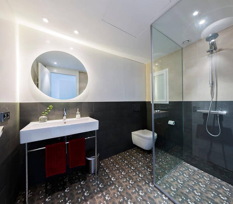 Skandinavische Badezimmer von RM arquitectura Skandinavisch