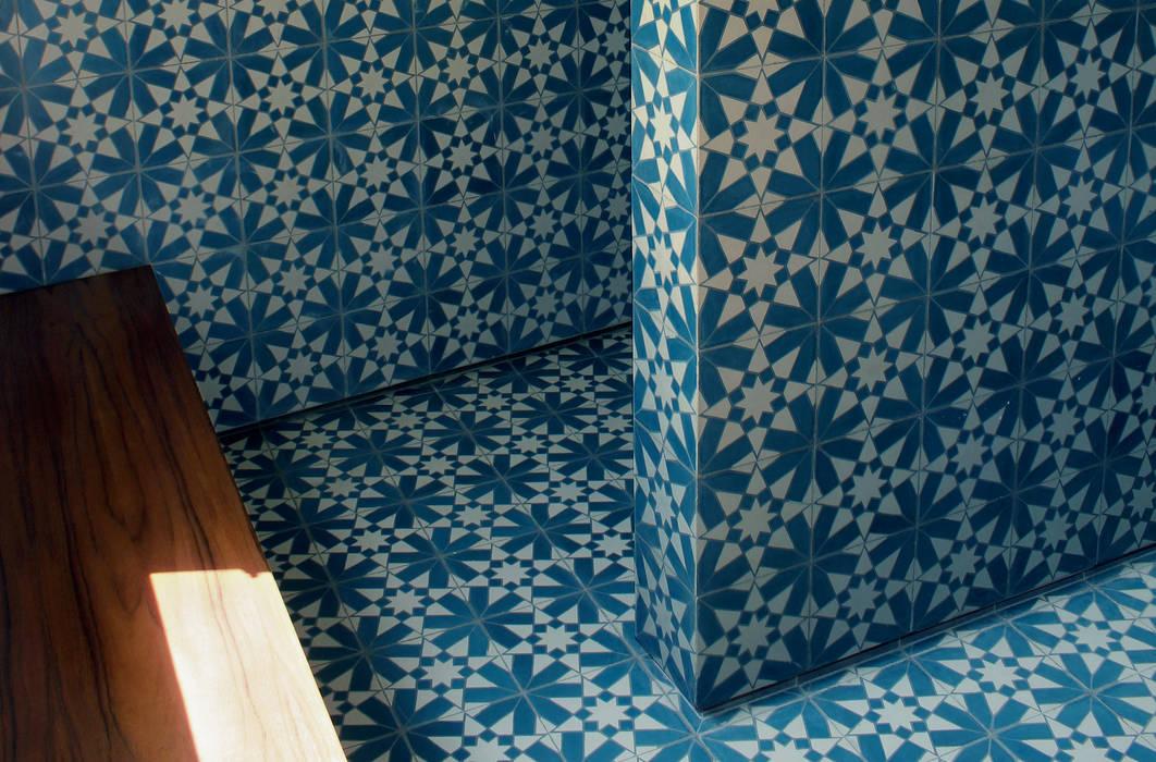 Departamento Condesa: Baños de estilo  por Un Rayito de Sol