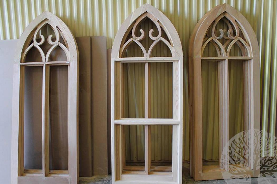 ЦЕРКОВЬ НА ПРЕОБРАЖЕНСКОЙ Окна и двери в классическом стиле от Lesomodul Классический