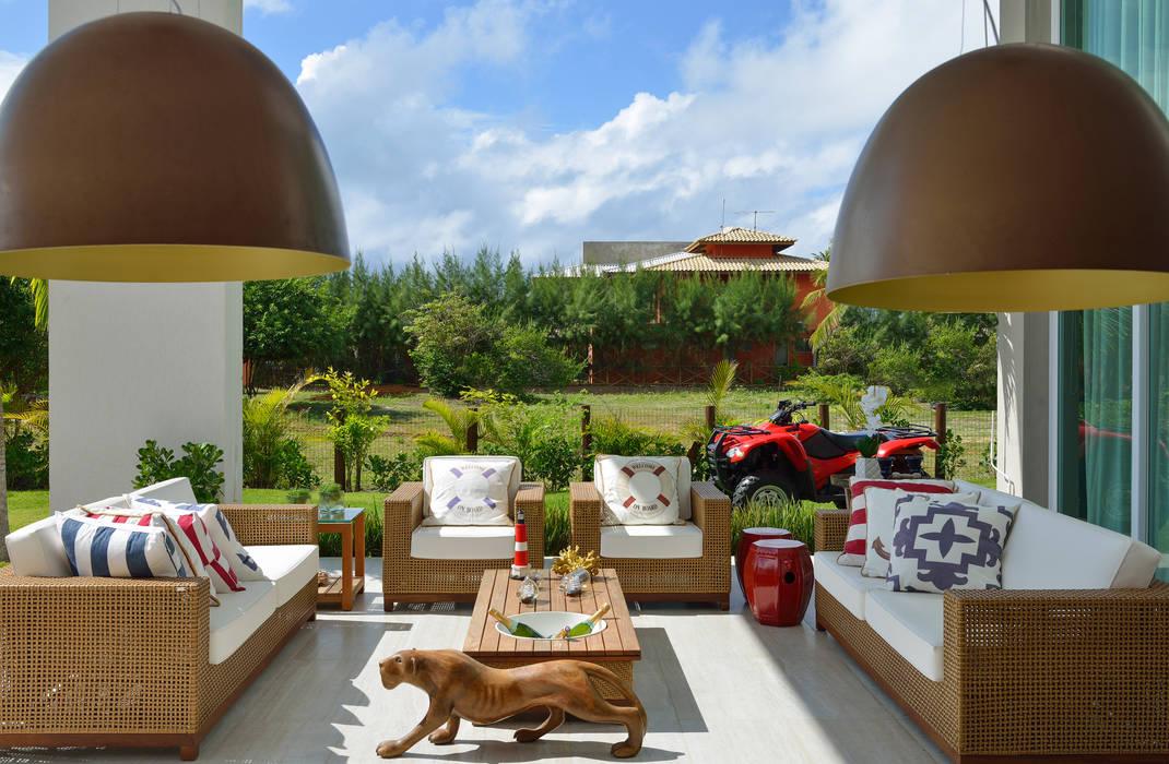 Modern balcony, veranda & terrace by Pinheiro Martinez Arquitetura Modern Natural Fibre Beige
