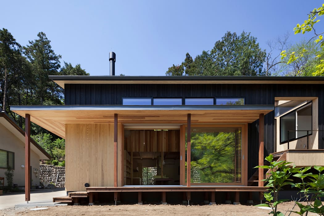HAN環境・建築設計事務所 Rumah Modern Kayu Black