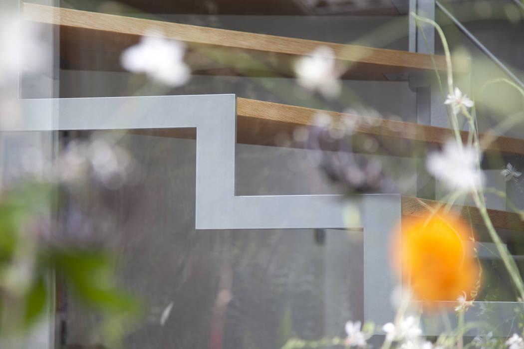 Epure & Bien-être: Maisons de style de style Moderne par MELANIE LALLEMAND ARCHITECTURES