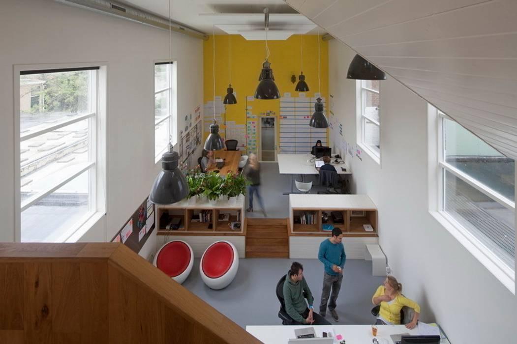 TRANSFORMATIE VAN KERK NAAR KANTOOR_04:  Kantoorgebouwen door HOYT architecten