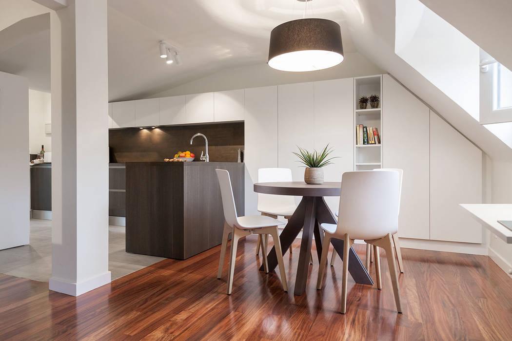 Apartamento 45m2 en el Ensanche de Bilbao Comedores de estilo moderno de Urbana Interiorismo Moderno