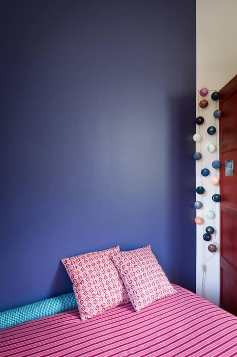 La chambre d'enfant 2: Chambre d'enfant de style de style Moderne par MELANIE LALLEMAND ARCHITECTURES