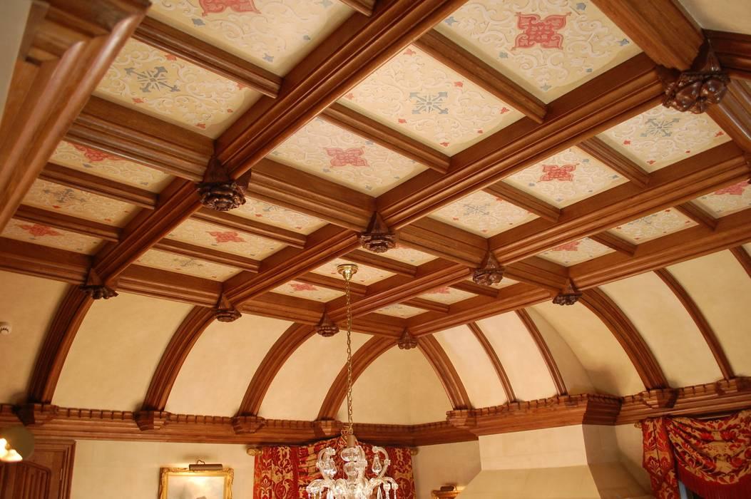 Curved beamed ceiling Hành lang, sảnh & cầu thang phong cách kinh điển bởi Arttus Kinh điển