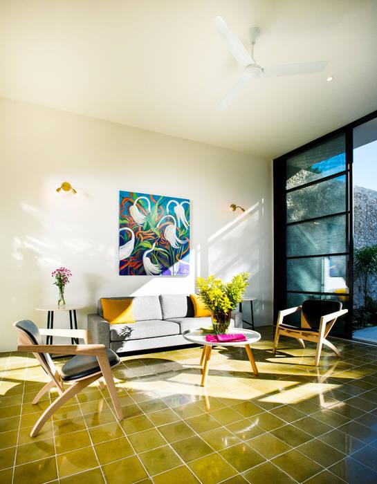 现代客厅設計點子、靈感 & 圖片 根據 Taller Estilo Arquitectura 現代風