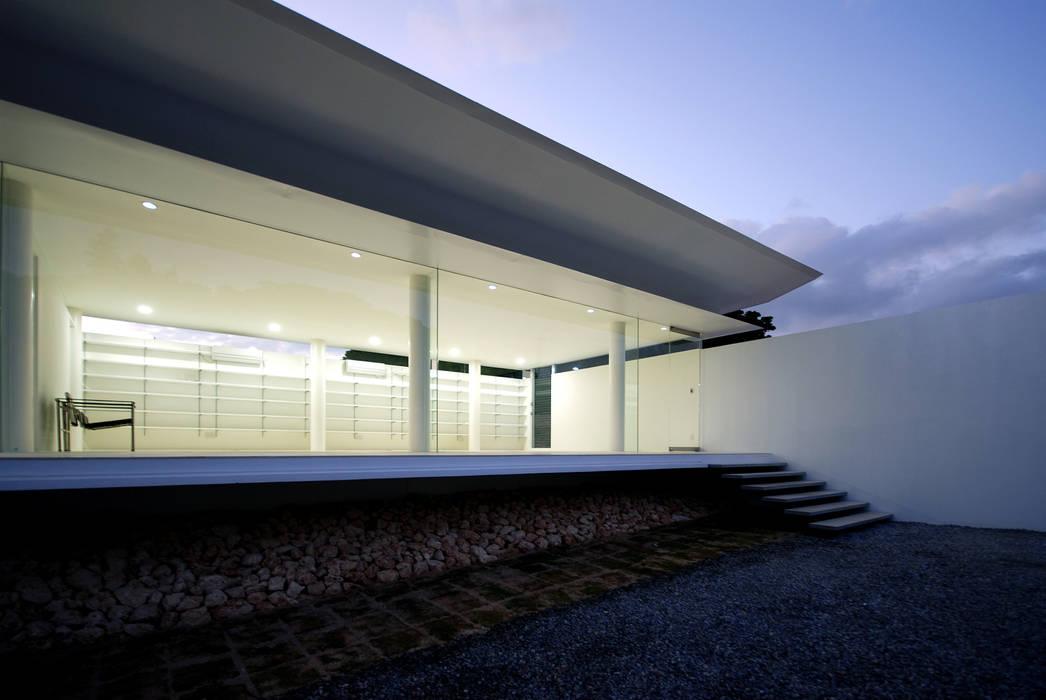 Modern study/office by 門一級建築士事務所 Modern Glass