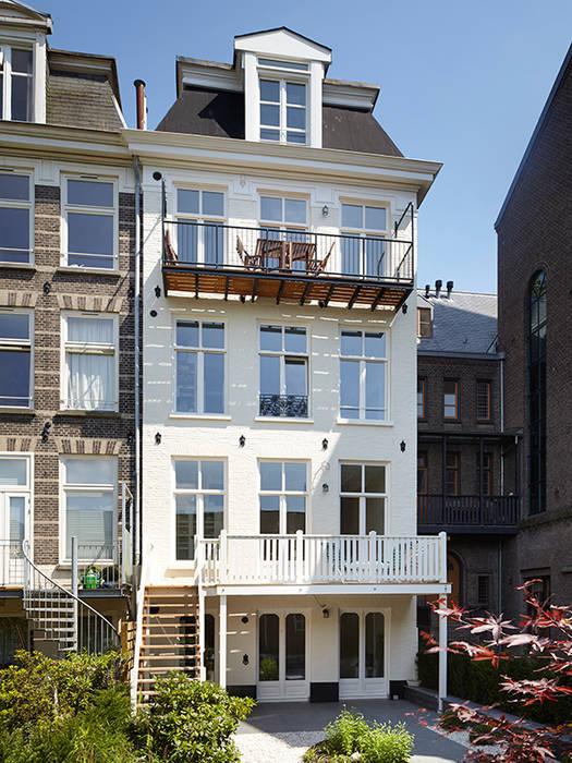 Casas clásicas de Lumen Architectuur Clásico