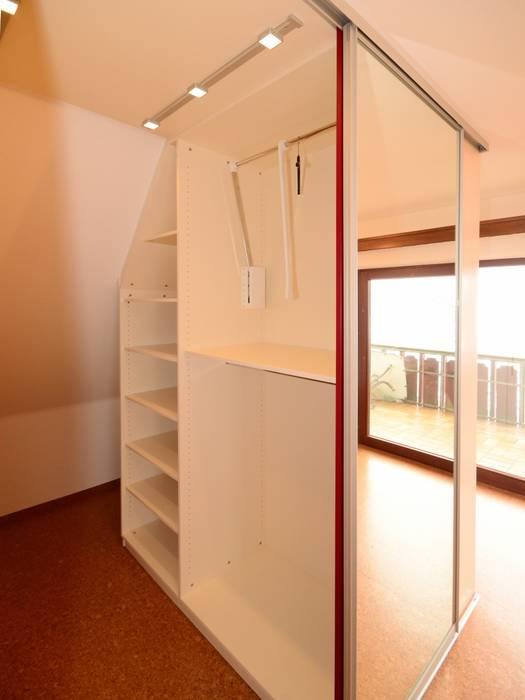 Begehbarer Kleiderschrank Moderne Schlafzimmer Von Schreinerei