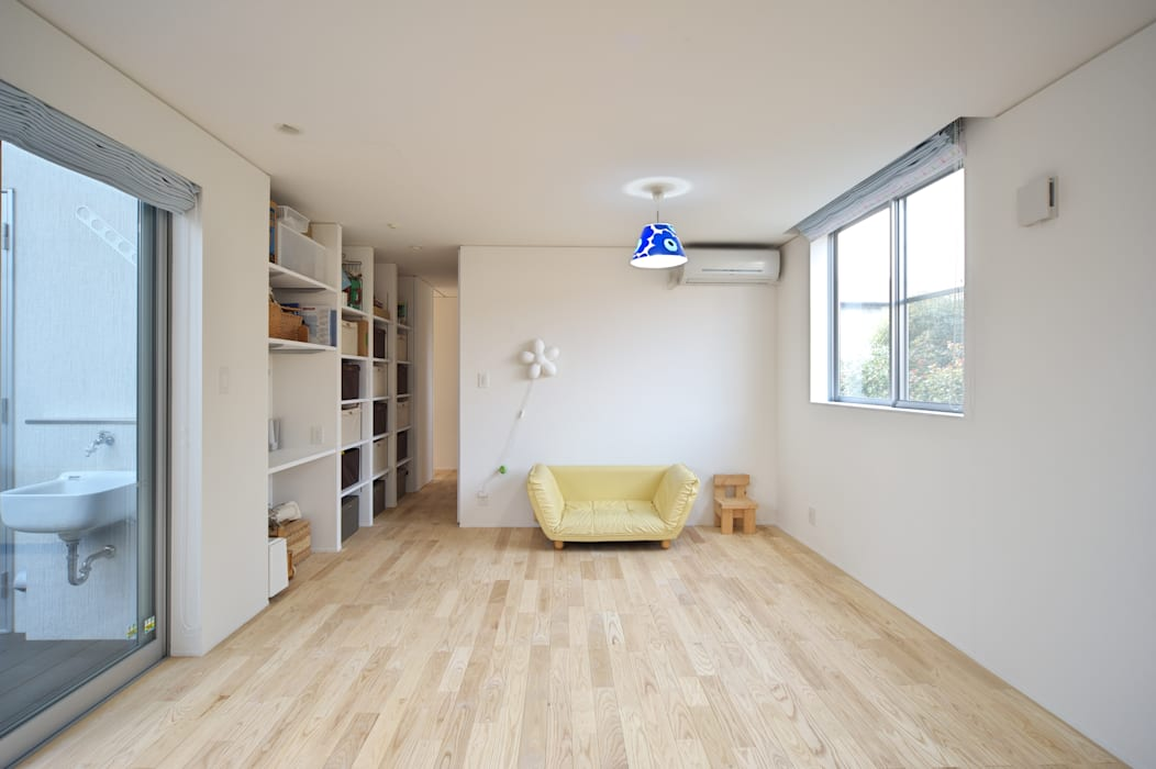 Eclectic style nursery/kids room by artect design - アルテクト デザイン Eclectic